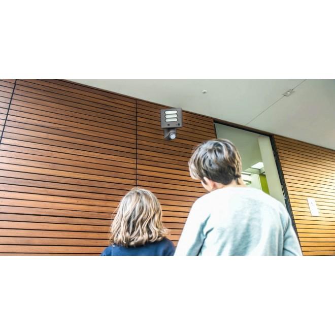LUTEC 7625501118 | Secury_Light-Esa Lutec kamerás lámpa fényvető mozgásérzékelő, fényérzékelő szenzor - alkonykapcsoló hangszóró, mikrofon, szabályozható fényerő, elforgatható alkatrészek, WiFi kapcsolat 1x LED 1530lm 5000K IP54 antracit szürke, opál